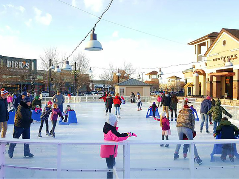 19_promenade_shops_ice_rink_loveland_new_homes