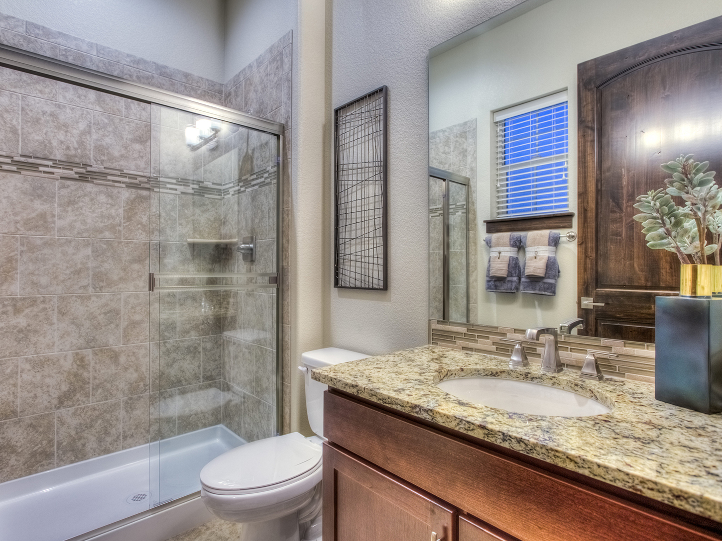 25-evergreen-fort_collins-guest_bath-new_homes