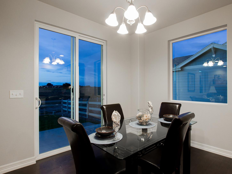 9-glenwood-fort_collins-dining_area-new_home_builder