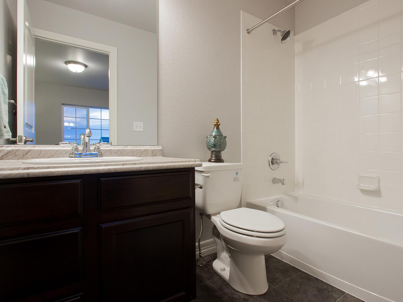 22-glenwood-fort_collins-full_bath-new_home_community