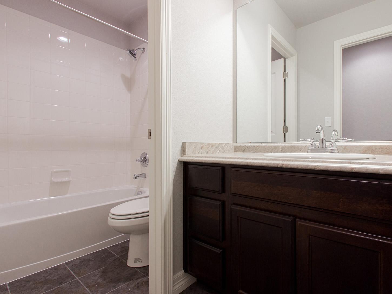 25-glenwood-fort_collins-ensuite_bathroom-new_houses_for_sale