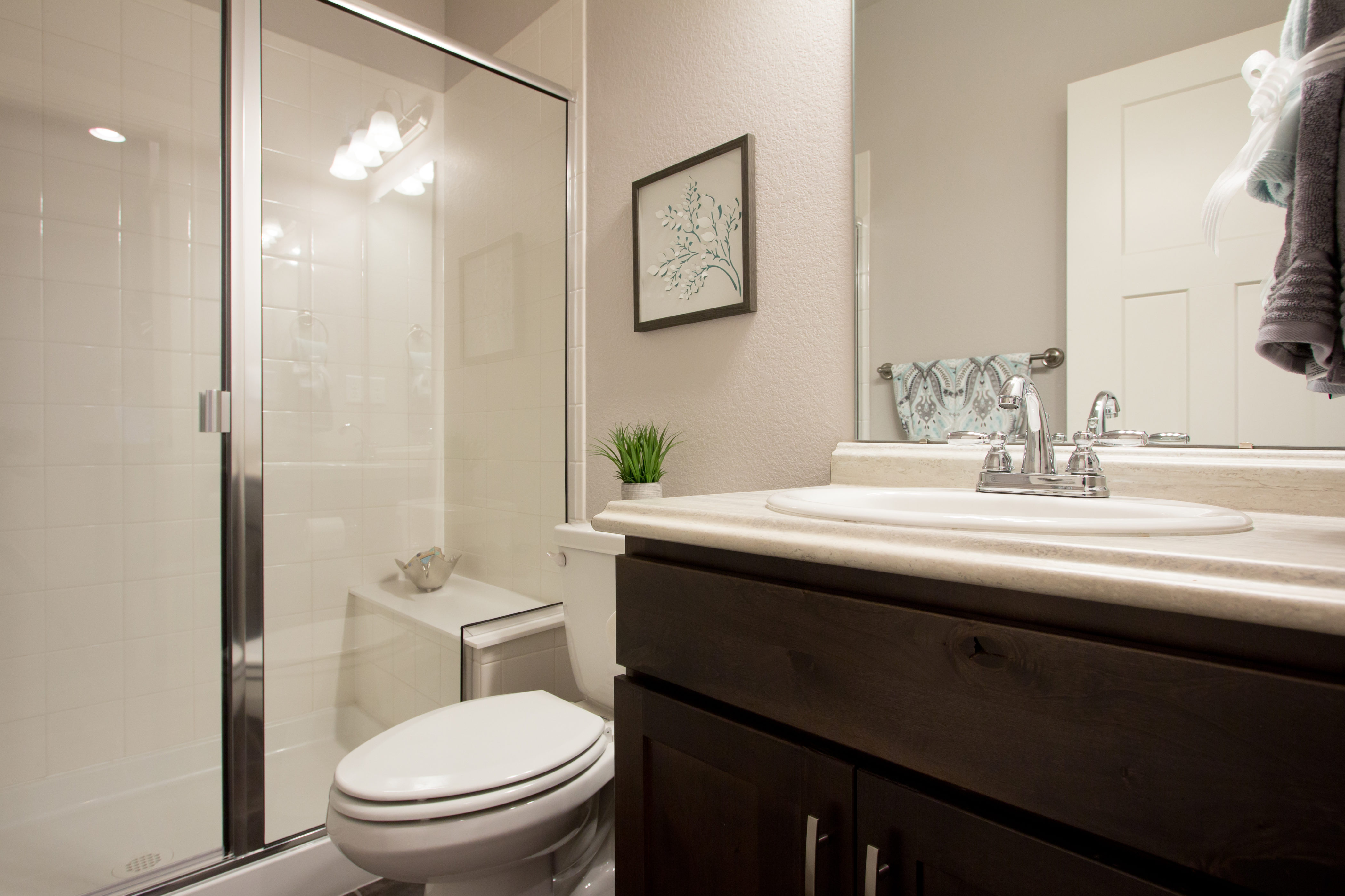 24-montrose-fort_collins-main_floor_bath-new_home