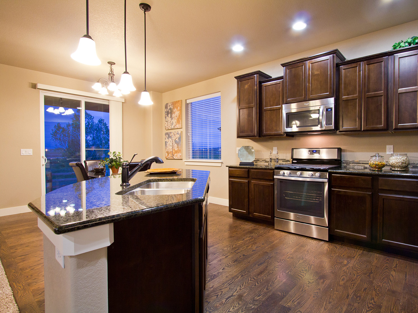05-glendale-fort_collins-kitchen-new_home_community