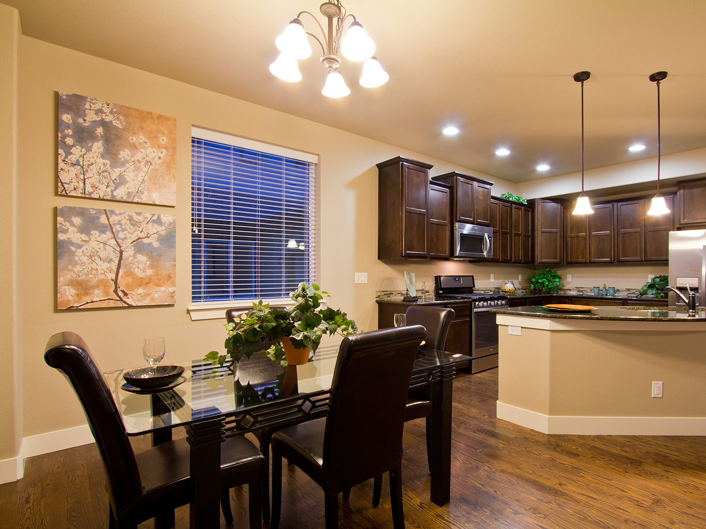 08-glendale-fort_collins-dining_area-new_houses_for_sale