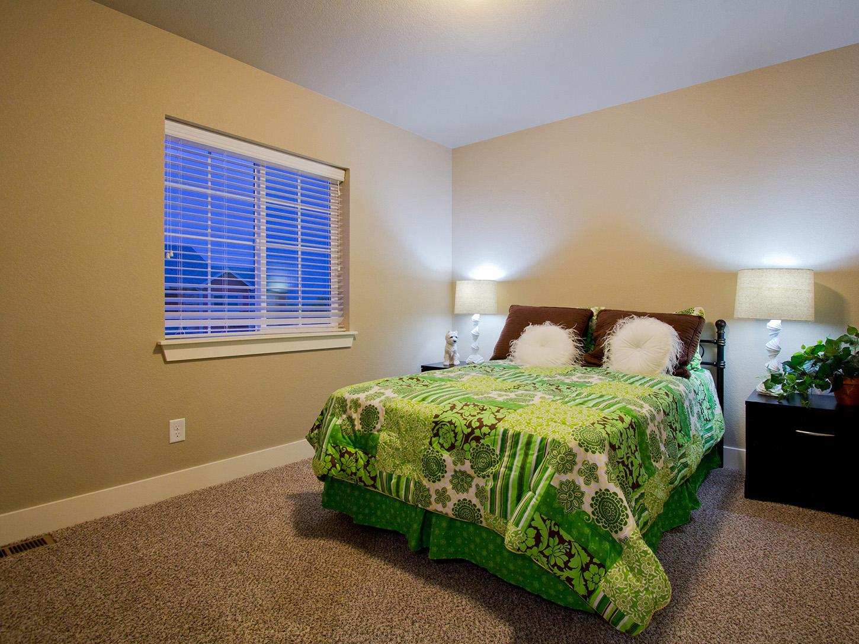 19-glendale-fort_collins-bedroom_2-new_home_community