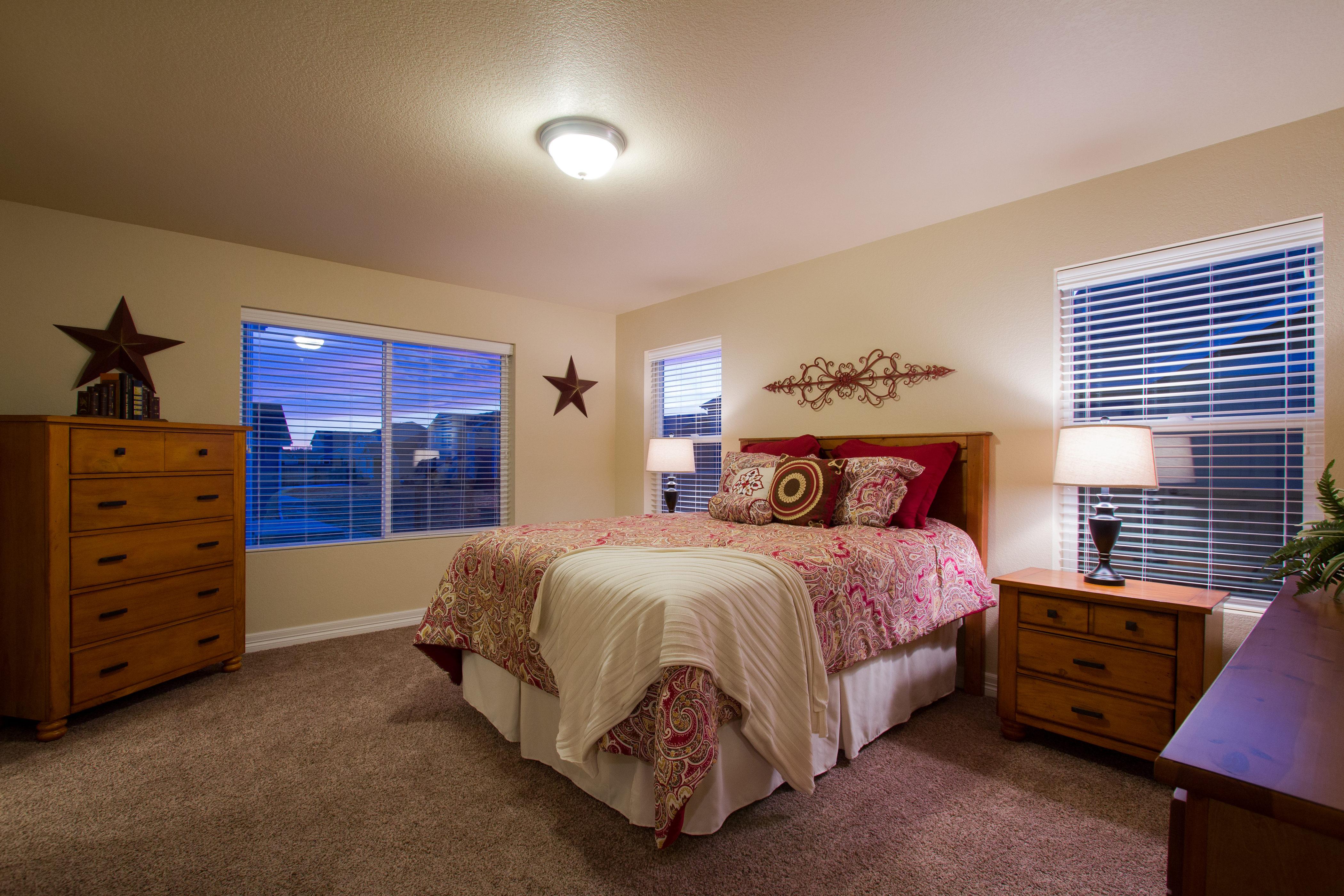 16-silverthorne-milliken-master_bedroom-new_home_builder