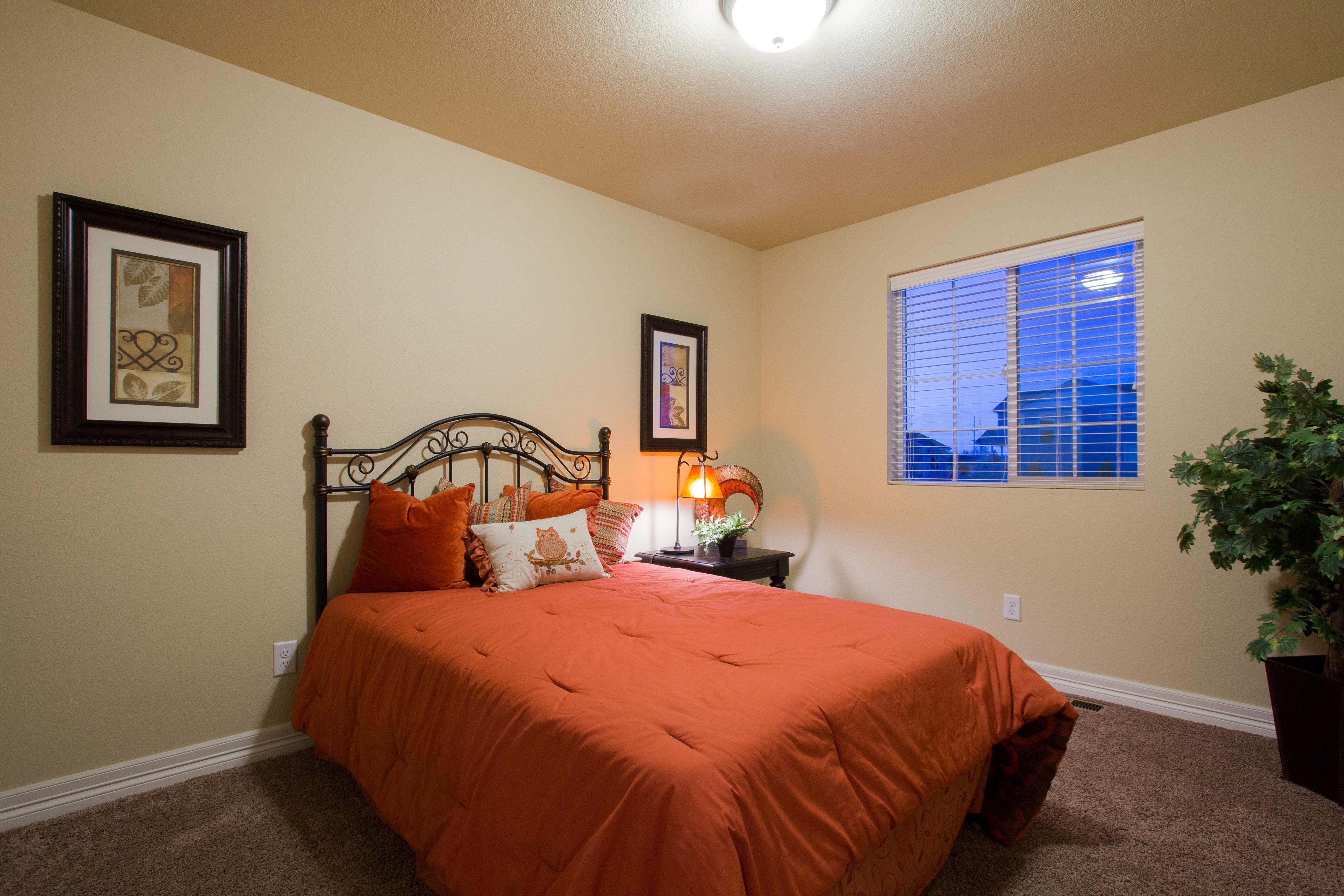 21-silverthorne-milliken-bedroom_3-new_home_community