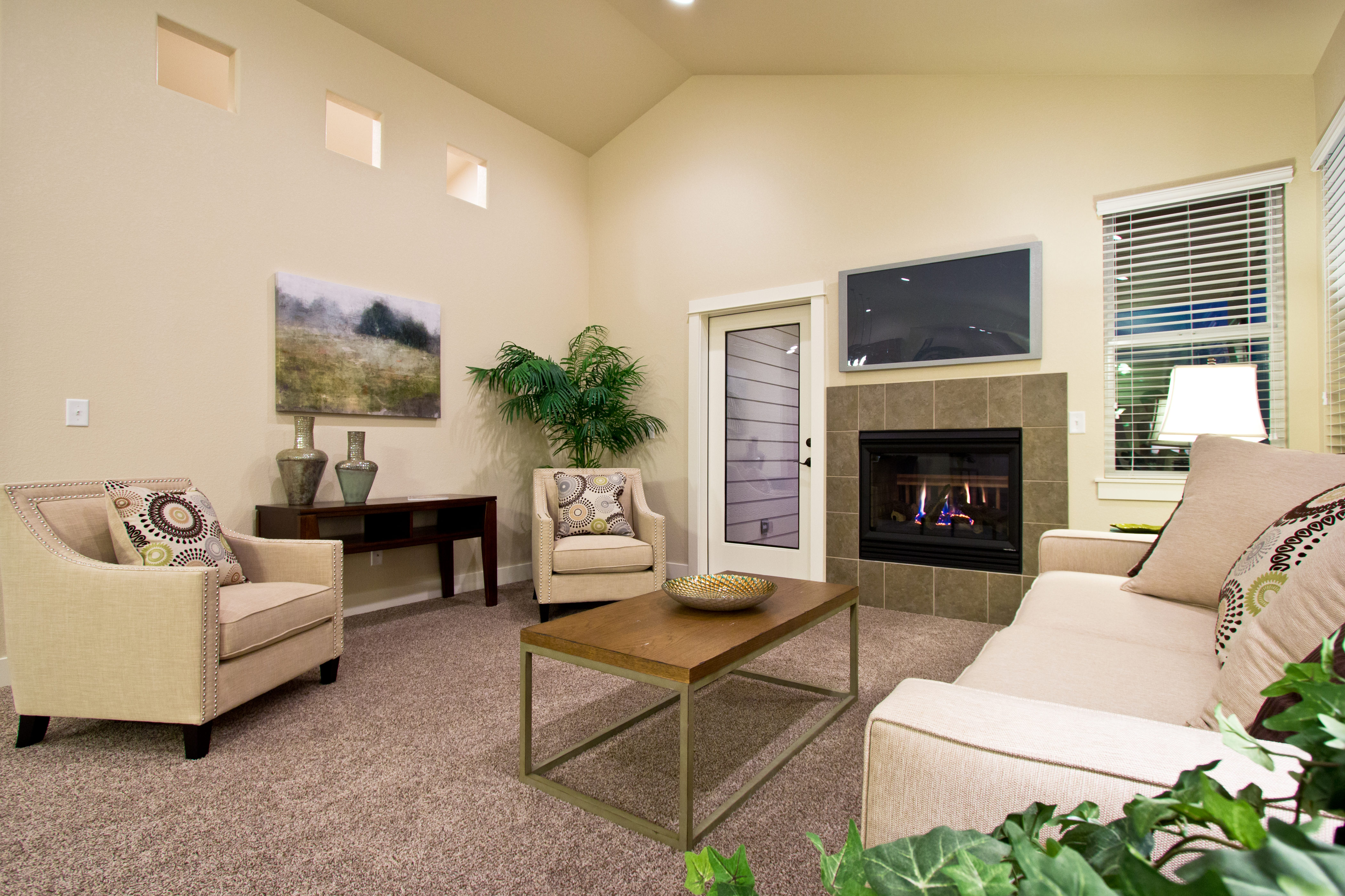 12_breckenridge_loveland_great_20room_20with_20fireplace_dream_20homes_20for_20sale