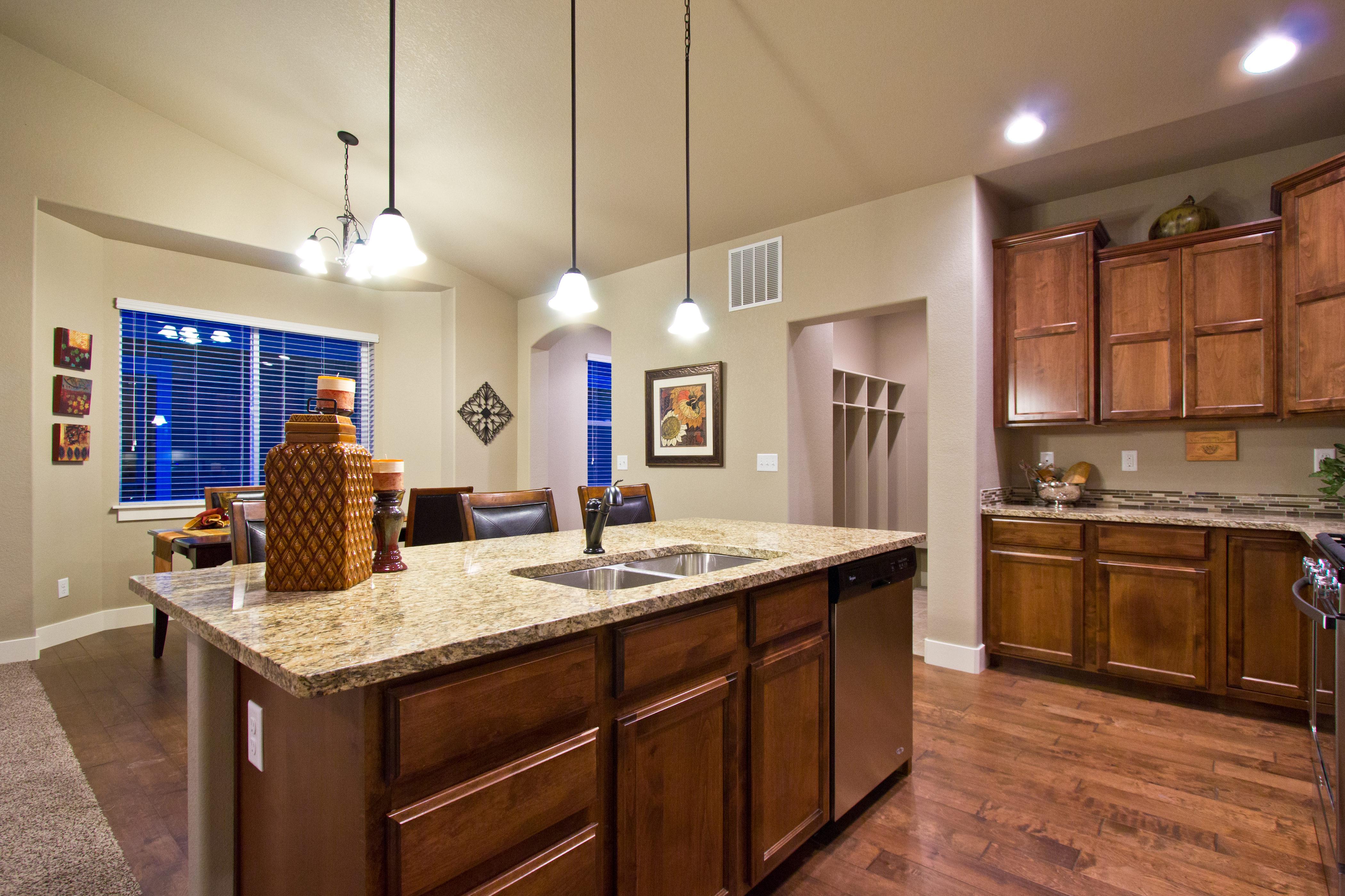 06_durango_loveland_kitchen_new_20house