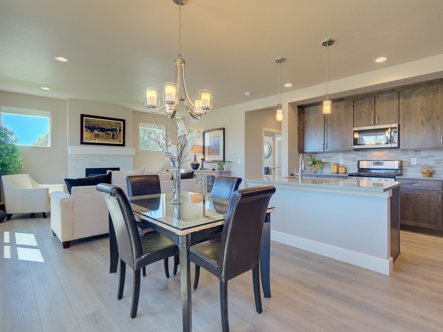 11_vail_loveland_dining_20area_20and_20kitchen_new_20houses_20for_20sale