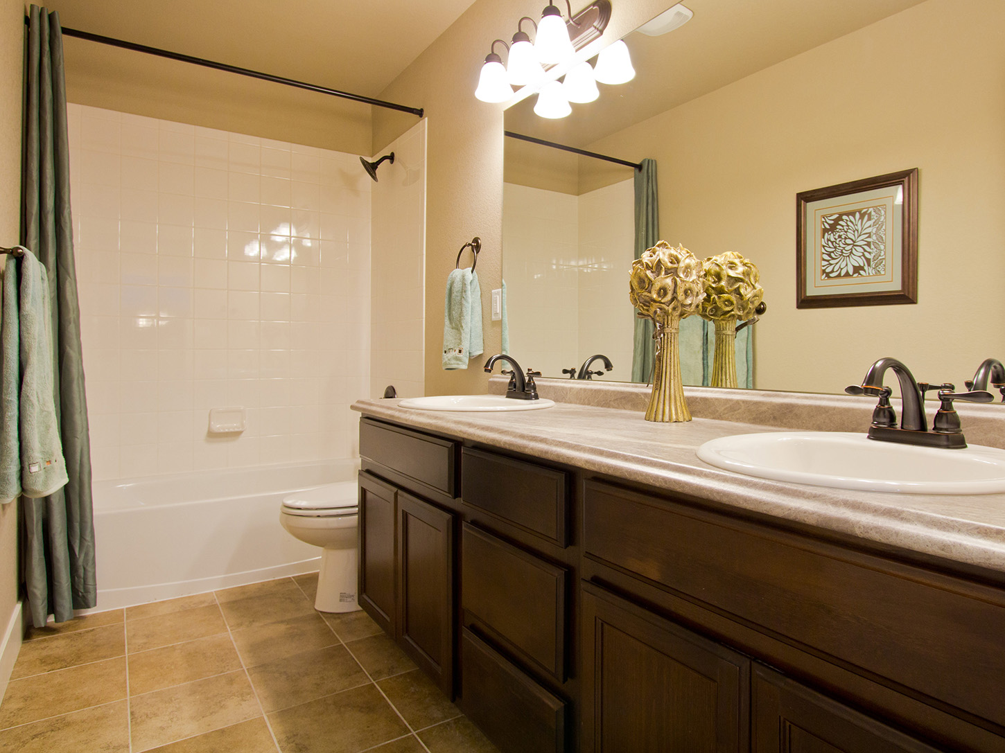 20-glendale-milliken-bathroom_202-new_20home_20builder