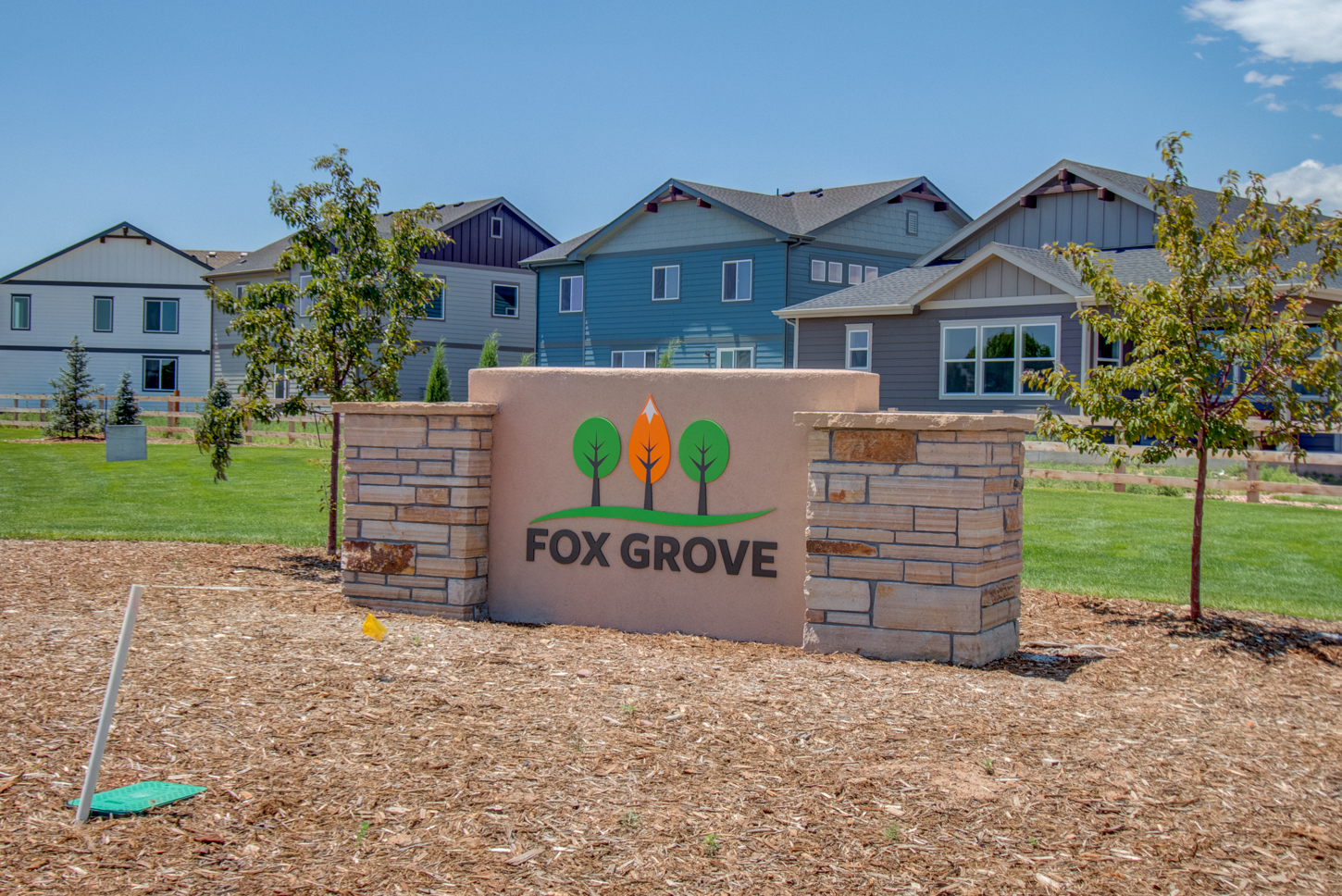 05_fox_grove_new_home_community_monument_sign_ft_collins_co