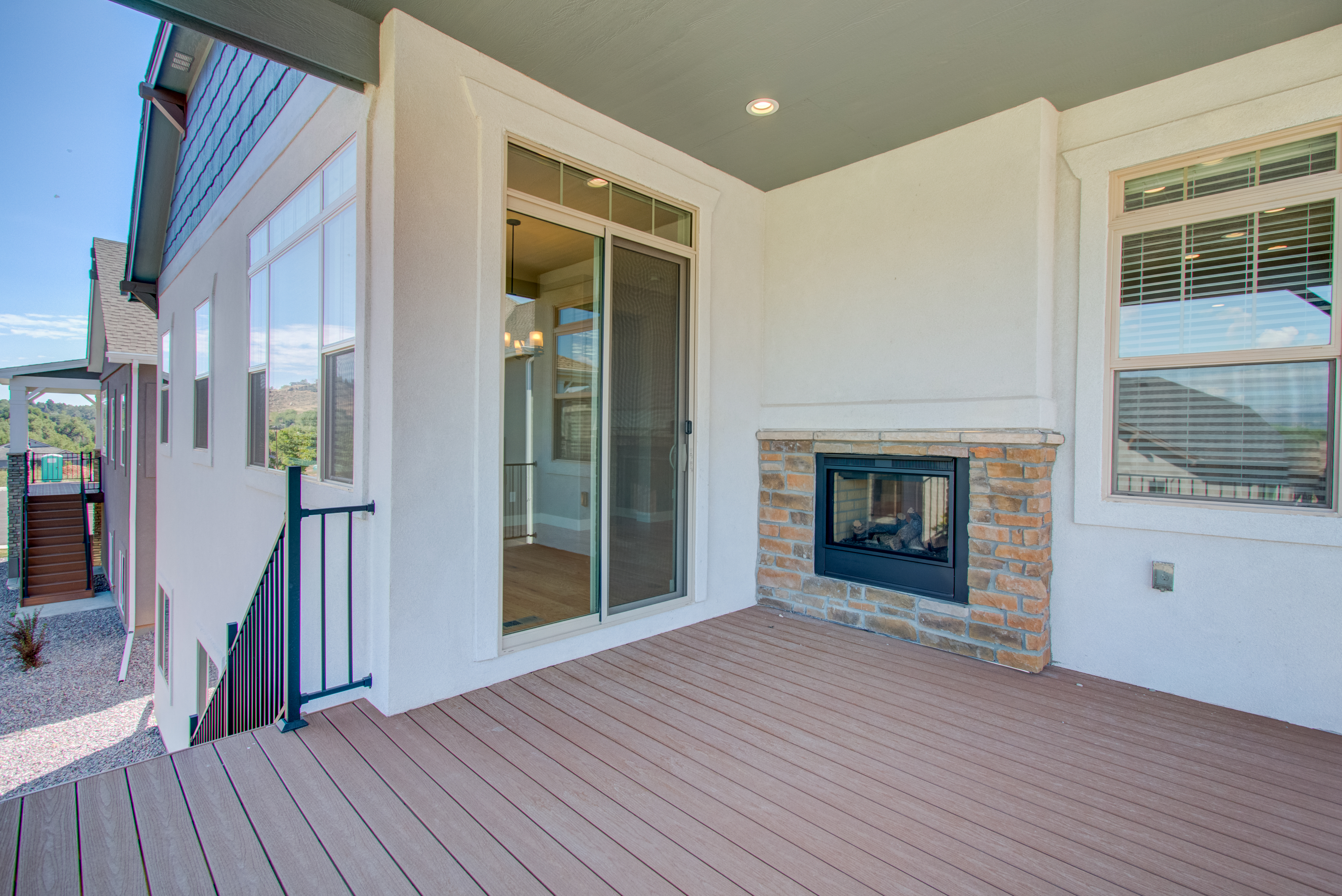 33_4793_20mariana_20hills_20cir_loveland_raised_20deck_20with_202-way_20fireplace_dream_20homes_20for_20sale