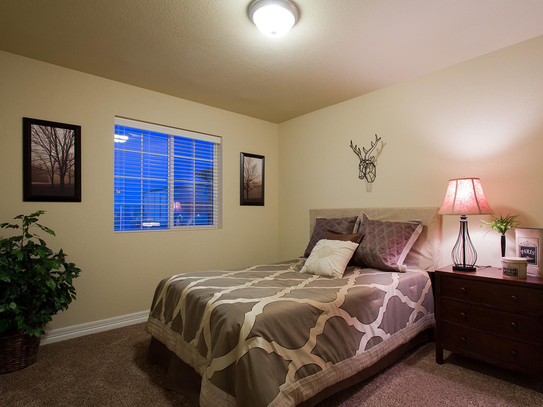 19-silverthorne-loveland-bedroom_2-new_home