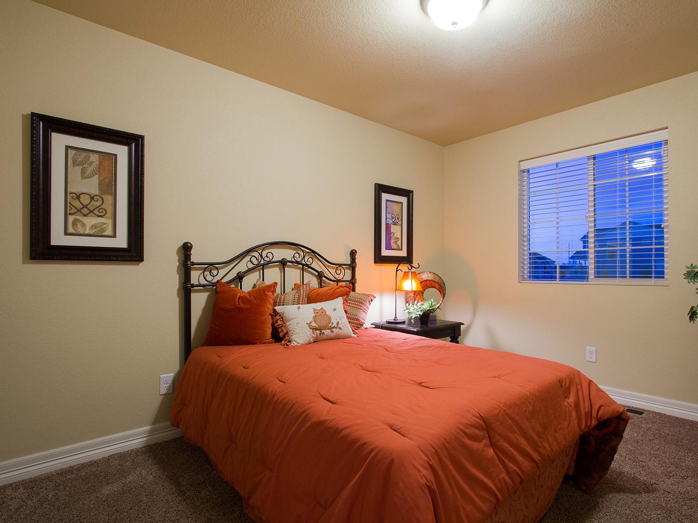 21-silverthorne-loveland-bedroom_3-new_home_community